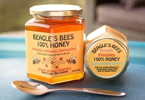 hawkes-bay-farmers-market-beagles-bees