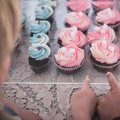 hawkes-bay-farmers-market-sweet-as-cupcakes